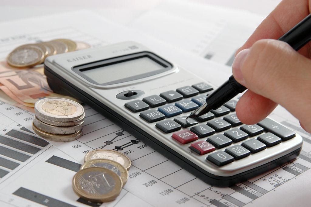 Confira dicas para economizar seus gastos mensais